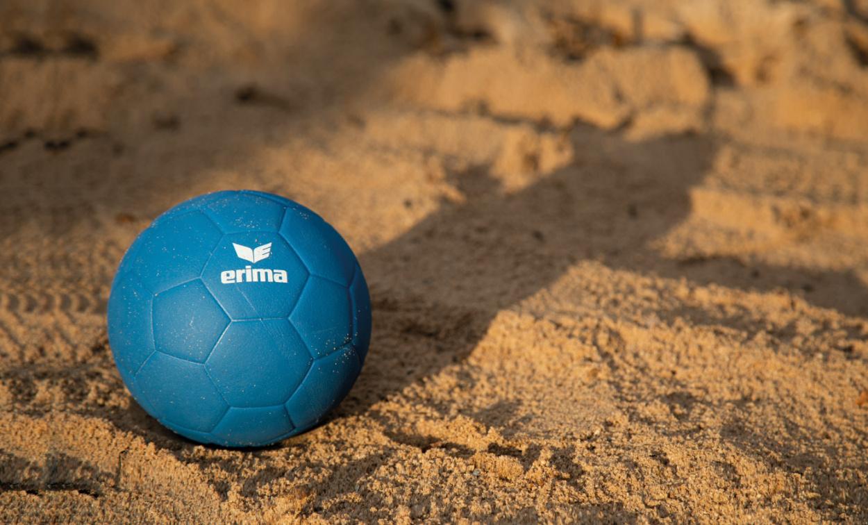 Alles Wissenswerte rund um die Trendsportart Beachhandball